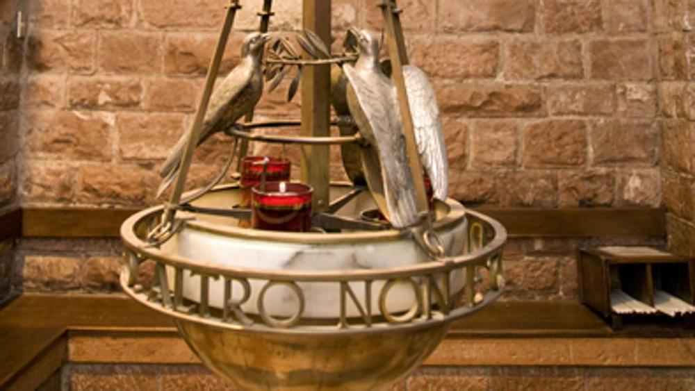 Pellegrinaggio ad Assisi per l'offerta dell'olio della lampada votiva di S. Francesco